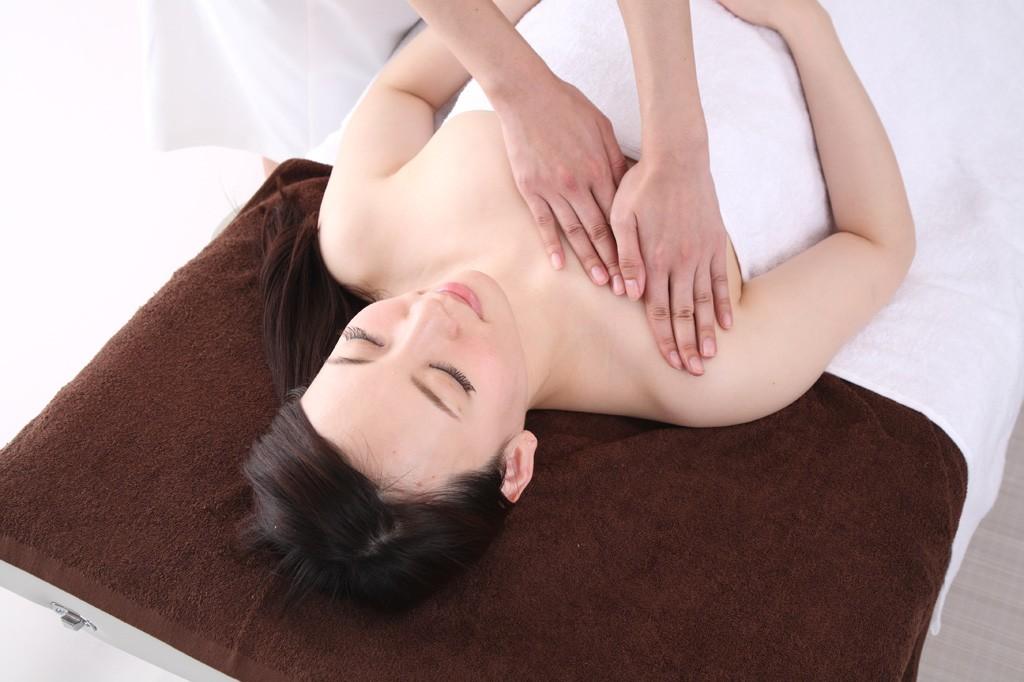 おっぱいが痛む?そんなときはタオルをチンで乳腺炎対策!