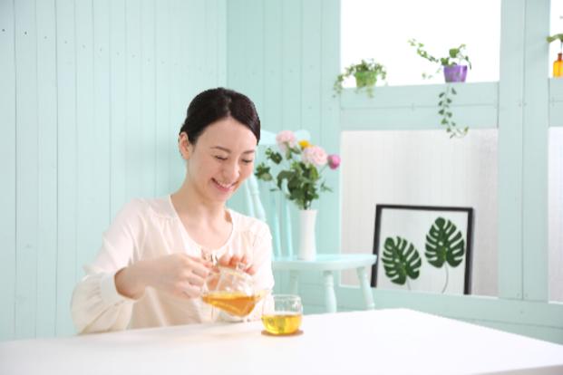 乳腺炎対策だけじゃない!便秘対策にも効果的なごぼう茶は赤ちゃんも飲める?